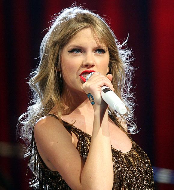 Cântăreaţa de muzică country Taylor Swift a fost agresată sexual