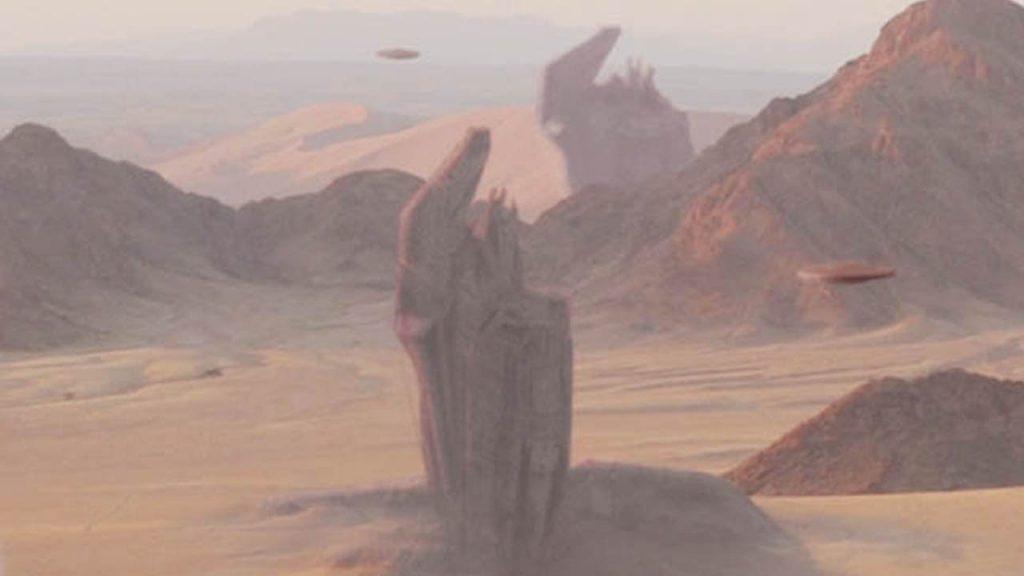 structuri-misterioase-verticale-imense-si-ozn-uri-in-desertul-nigerian
