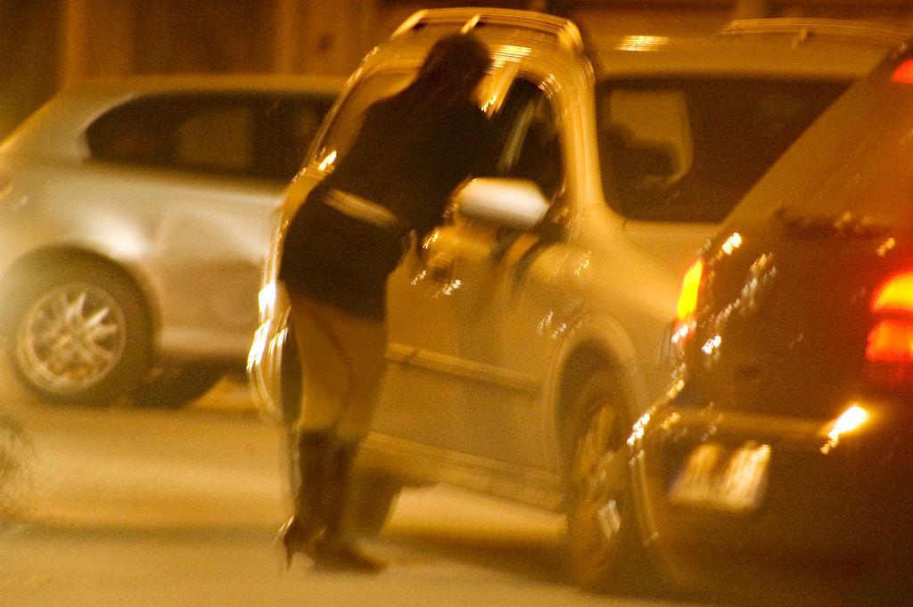 """Femeile nigeriene """"lucrează"""" în stradă"""